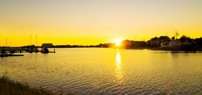 """Zeitraffer Sonnenuntergang """"grosser HafenWilhelmshaven"""""""